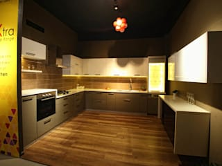 Space New Showroom Modern kitchen by Livings Modern