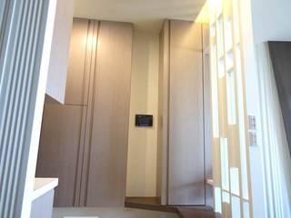 高雄左營 余公館 斯堪的納維亞風格的走廊,走廊和樓梯 根據 協億室內設計有限公司 北歐風