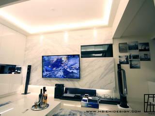 高雄左營 黃公館 现代客厅設計點子、靈感 & 圖片 根據 協億室內設計有限公司 現代風