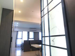 高雄楠梓 黃公館 現代風玄關、走廊與階梯 根據 協億室內設計有限公司 現代風