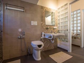 Mediterranean style bathrooms by BAABdesign Mediterranean Tiles