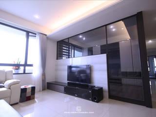 高雄三民 洪公館 现代客厅設計點子、靈感 & 圖片 根據 協億室內設計有限公司 現代風
