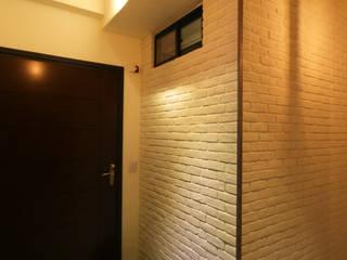 高雄楠梓 陳公館 工業風的玄關、走廊與階梯 根據 協億室內設計有限公司 工業風