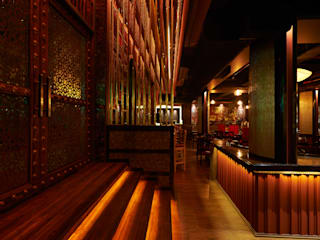 HOTMESS RESTAURANT-CP, NEW DELHI Rustic style bars & clubs by ashu paul associates Rustic