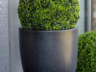 UV Resistant Artificial Buxus Balls: eclectic  by Artificial Green, Eclectic