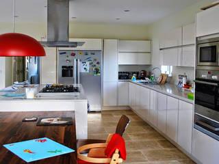Extension, Stranmillis, belfast:  Kitchen by Jim Morrison Architects