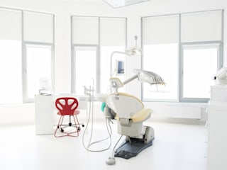 Clinics by STUDIO 180°, Minimalist