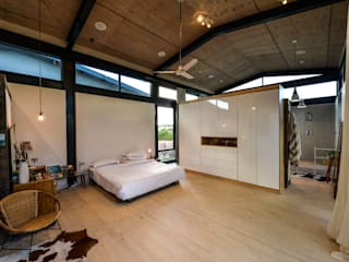 Bedroom by Studious Architects, Industrial