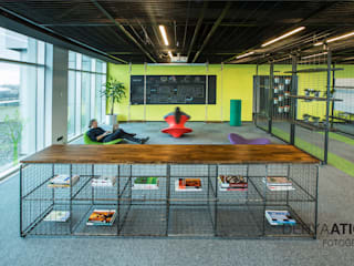 DERYAATICI FOTOĞRAF Office spaces & stores Kayu Green