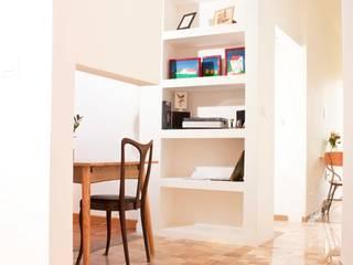 Casa Nat/An Ingresso, Corridoio & Scale in stile minimalista di Archimeccanica Minimalista