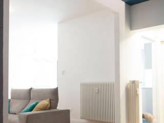 Casa Ca/Mi Ingresso, Corridoio & Scale in stile minimalista di Archimeccanica Minimalista