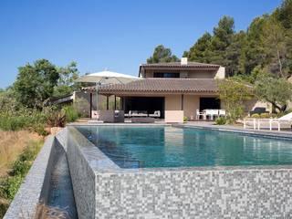 Piscinas de estilo  de Atelier Jean GOUZY, Mediterráneo