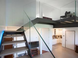 Ristrutturazione appartamento Soggiorno moderno di Studio Dalla Vecchia Architetti Moderno