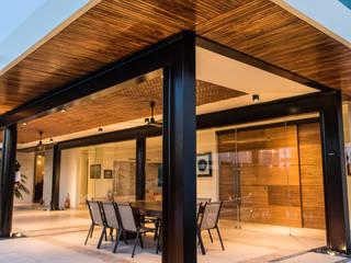 Modern home by AMEC ARQUITECTURA Modern