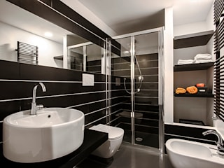 Industrial style bathrooms by studioQ Industrial