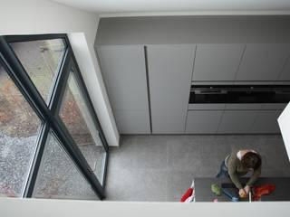 Villa in Vleuten:  Keuken door Architectenbureau Jules Zwijsen, Modern