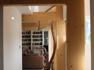 Hoevewoning:  Woonkamer door Architectenbureau Jules Zwijsen, Modern