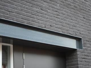 Grachtenpand Krimpen aan den IJssel:  Huizen door Architectenbureau Jules Zwijsen, Modern
