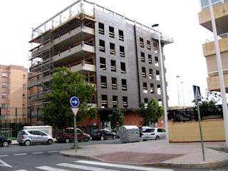 modern  by Vidal Molina Arquitectos, Modern