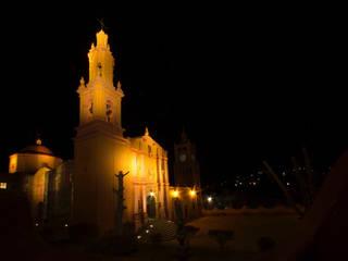 Parroquia de San Miguel, atrio.:  de estilo  por Icaro Studio