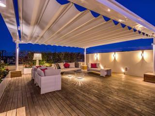 Terrazas de estilo  de MOB ARCHITECTS, Moderno