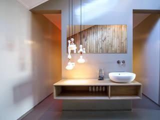 kleedruimte:  Spa door Heeren 3 Architecten