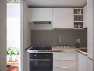 Cozinhas  por STUDIO ACRIVOULIS      Architettra + Interior Design
