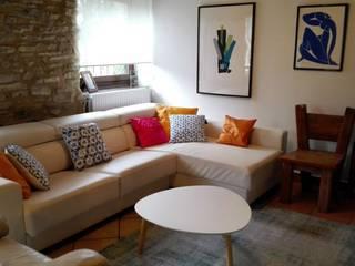 Habitaka diseño y decoración Living room Wood White