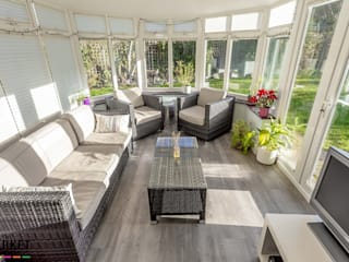 EXTRA SPACE Modern conservatory by The Market Design & Build Modern