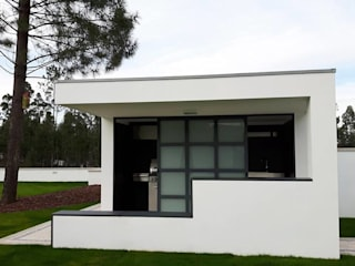 Casas de estilo  de Emprofeira - empresa de projectos da Feira, Lda.