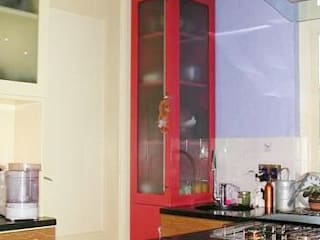Super efficiënte kleine keuken.: moderne Keuken door Brenda van der Laan interieurarchitect BNI