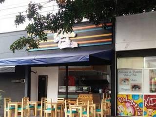diseño restaurante:  de estilo tropical por Dies diseño de espacios, Tropical