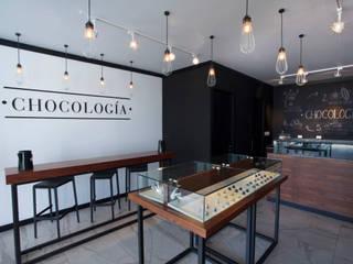 Chocología: Espacios comerciales de estilo  por LF Oficina de Arquitectura