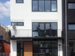 Woonhuis Kuipers Moderne huizen van 10voor2 Architecten Modern