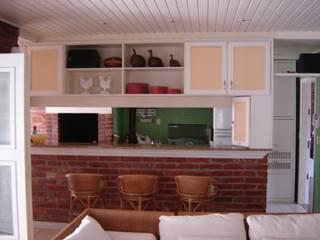 Residência Ilha da Pintada Recyklare Projetos de Arquitetura , Restauro & Conservação Cozinhas rústicas