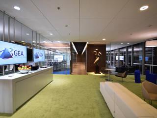 GEA Internacional: Estudios y oficinas de estilo  por Serrano Monjaraz Arquitectos