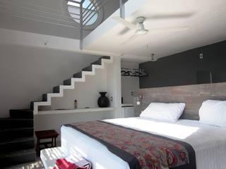 Hotel AIKIA: Spa de estilo  por REC Arquitectura
