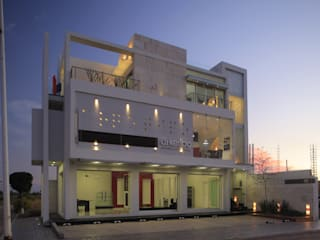 Houses by arketipo-taller de arquitectura, Minimalist