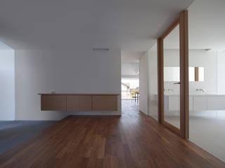 七隈の家: 森裕建築設計事務所 / Mori Architect Officeが手掛けた廊下 & 玄関です。,
