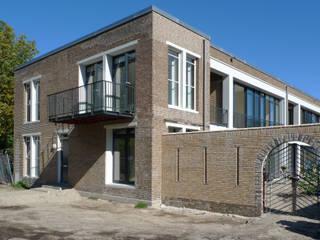 Casas estilo moderno: ideas, arquitectura e imágenes de Hulshof Architecten bv Moderno