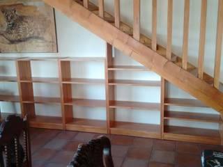 Cooperativa de la madera 'Ntra Sra de Gracia' Pasillos, vestíbulos y escaleras Cómodas y estanterías Madera Acabado en madera