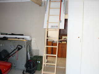 Garajes minimalistas de Loftspace Minimalista