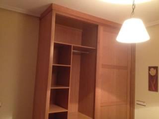 Cooperativa de la madera 'Ntra Sra de Gracia' BedroomWardrobes & closets Engineered Wood Wood effect