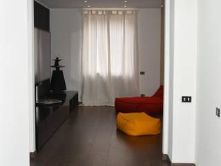 Ingresso: Ingresso & Corridoio in stile  di studio 'dragora architettura e paesaggio