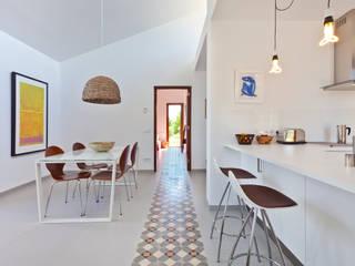 by Tono Vila Architecture & Design Modern