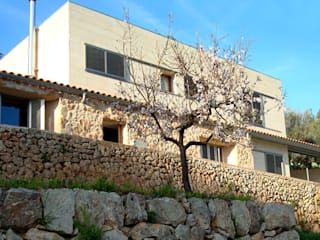 Refurbishment of existing house en Genova Modern Houses by Tono Vila Architecture & Design Modern