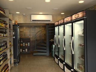 Emporio Gourmet: Espaços gastronômicos  por Claudé Pessoa Arquitetura e Interiores