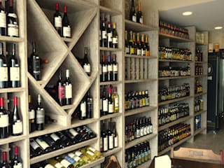 Empório Gourmet: Espaços gastronômicos  por Claudé Pessoa Arquitetura e Interiores