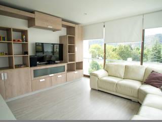 Muebles y cocina completa para casa camino del cerro alto en la Dehesa.:  de estilo  por Retta spa