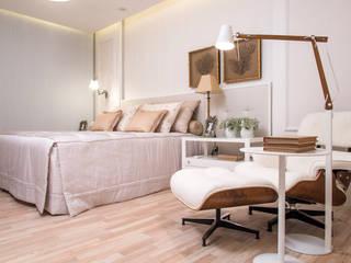 臥室 by Mônica Daniela Arquitetura & Design de Interior, 現代風